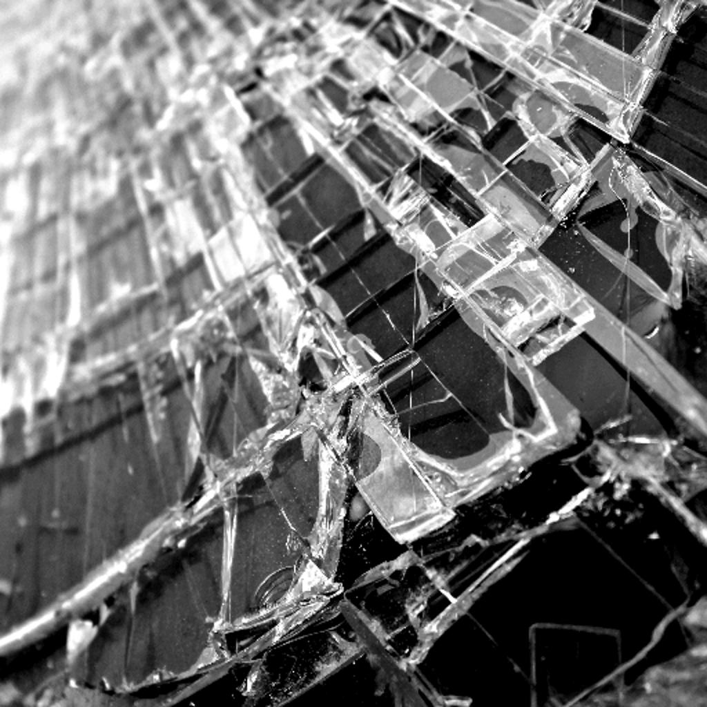 Broken Screen Wallpaper